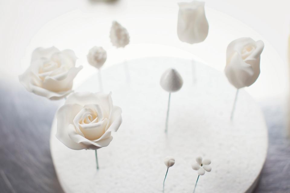Melbourne wedding cake flowers