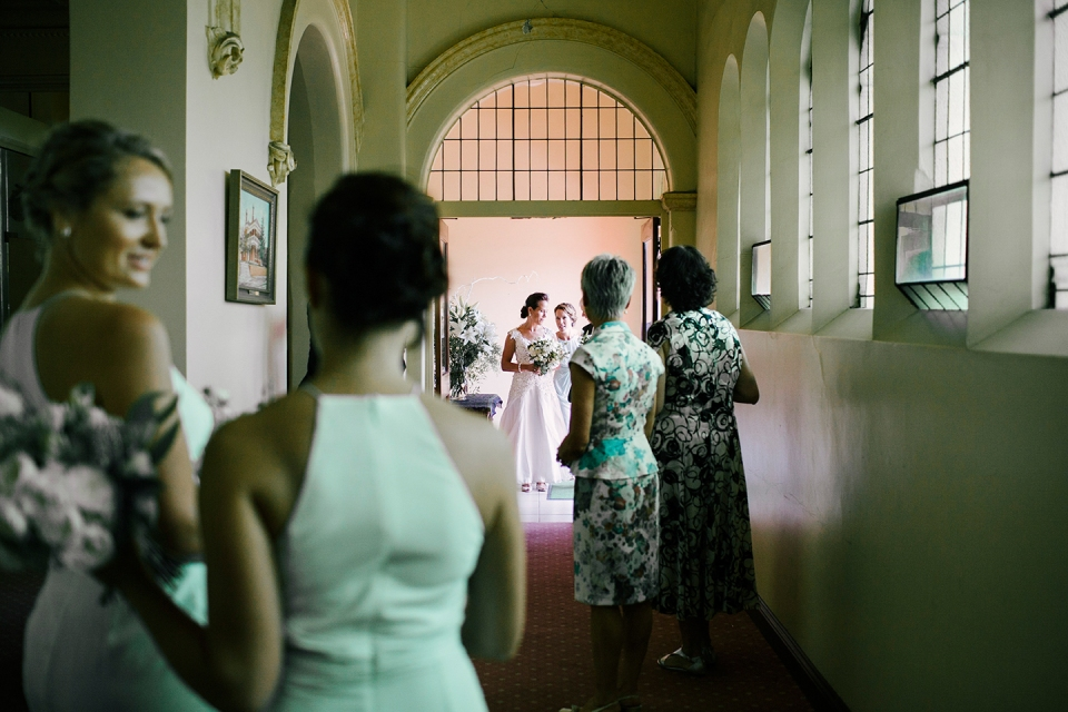 Natural Wedding photographer | Northcote wedding ceremony